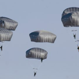 Troop Systems Parachute plats-T-11 et MC- 6