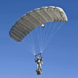 Ram Air Parachute Systems: Intruder® (RA -1) et Hi- 5® Cours